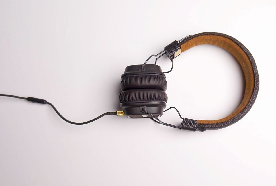 noise canceling headphones for snoring